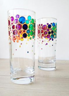 Rainbow drinking glasses set of 2 Couple colorful water glasses Painted glass tumblers Rainbow bubbles glasses set Painting Glass Jars, Glass Painting Designs, Bottle Painting, Bottle Art, Paint Designs, Glass Art, Rainbow Bubbles, Painted Wine Glasses, Hand Painted