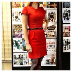 Gespot op de redactie: VIVA's Anneke draagt dit leuke rode jurkje, als voorbereiding voor Dress Red Day a.s. zondag! Deel jouw rode outfit op Instagram met @VIVA_NL o.v.v. #VIVADRD en win kaarten voor de film Smoorverliefd in Pathé City in A'dam op 29-09!