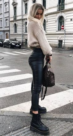 150 Fall Outfits to Shop Now Vol. 2 / 026 Fall Outfits to Shop Now Vol. Page 3150 Fall Outfits to Shop Now Vol. 4 / 171 Fall Outfits to Shop Now Vol. Winter Fashion Outfits, Fall Winter Outfits, Look Fashion, Autumn Fashion, Womens Fashion, Fall Outfits 2018, Fall Fashion 2018, Tumblr Fall Outfits, Fashion Boots