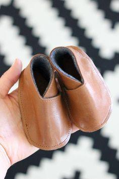 Wonderful DIY Baby Leather shoes | WonderfulDIY.com
