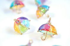 Resin earrings in shape of umbrellas! Kawaii Jewelry, Cute Jewelry, Diy Jewelry, Jewelry Making, Bridal Jewelry, Diy Resin Crafts, Diy And Crafts, Arts And Crafts, Uv Resin