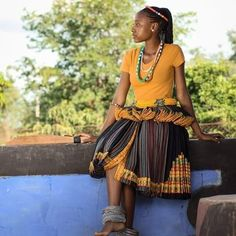 Traditional Skirts, Traditional Outfits, African Wear, African Dress, African Traditional Wedding Dress, Africa Fashion, African Prints, African Fashion Dresses, Beadwork