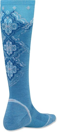 The women's PhD Snowboard Light Socks feature innovative new fabric, a comfortable fit and smart design details that enhance performance.