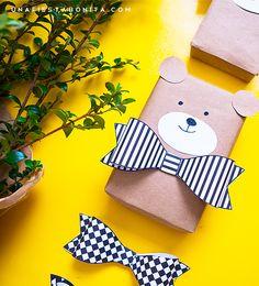 Osos en cajas de regalo