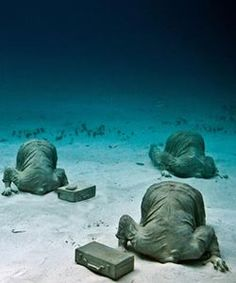 The Cancun underwater museum dive is to an artificial reef, a submerged art collection. This is a must-see scuba dive spot in Cancun. MUSA Underwater Museum of Art Underwater Hotel, Underwater Sculpture, Underwater World, Best Scuba Diving, Water Art, Gif Animé, Foto Art, Cancun Mexico, Jolie Photo