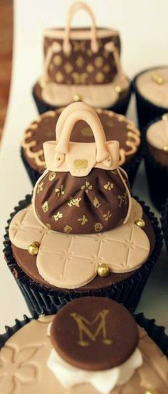 Louis Vuitton inspired cupcakes | LBV ♥✤