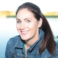 Learn from Natalie Sisson how to run your business from anywhere in the world! Business Women, Online Business, Online Entrepreneur, Women Life, World Traveler, Personal Branding, Change The World, Dream Life, Online Marketing