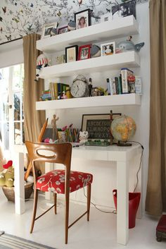 Under The Table and Dreaming: Home Office and Work Space Ideas & Inspiration   75 Creative Desk Areas