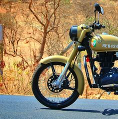 Image may contain: motorcycle and outdoor Best Photo Background, Studio Background Images, Black Background Images, Bike Photography, Girl Photography Poses, Royal Enfield Classic 350cc, Royal Enfield Wallpapers, Royal Enfield India, Bullet Bike Royal Enfield