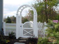 Massachusetts Vinyl Fence Leader - Colonial Fence Co. - Vinyl Fences and Wood Fences