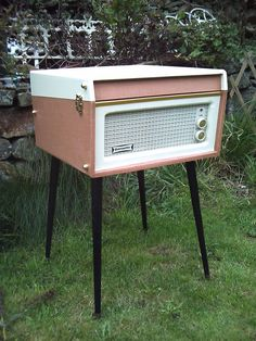 Legs or no legs! Retro Record Player, Pink, Legs, Vintage, House, Furniture, Home Decor, Decoration Home, Home