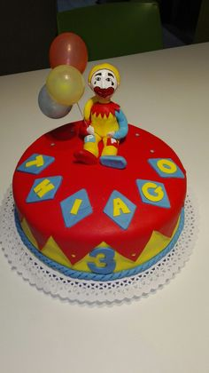 Torta Piñón Fijo Birthday Cake, Desserts, Food, Fixed Gear, Souvenir, Tailgate Desserts, Deserts, Birthday Cakes, Essen