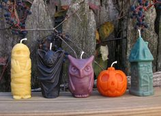 Beeswax Candles Halloween candle set by MonsterCandlesShop Samhain Halloween, Halloween Candles, Fall Halloween, Halloween Decorations, Candle Decorations, Cute Candles, Diy Candles, Decorative Candles, Candle Molds