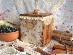 Коробка Provence. Деревянная коробочка для хранения: специй, трав, чая, резинок, заколок, вообщем, любой мелочи.   Очень уютная)  Внутри не обработана.  Снаружи покрыта матовым акриловым лаком.