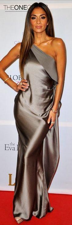 Nicole Scherzinger: Dress – Amanda Wakeley  Shoes -Cesare Paciotti  Jewelry – Cartier