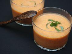 poivre, crème épaisse, thym, lait, tomate, oignon, huile d'olive, sel