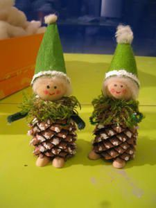 Tuto lutin - Cat & Clo c'est BRICLOCAT Recycled Christmas Decorations, Christmas Crafts To Sell, Christmas Ornament Crafts, Christmas Projects, Holiday Crafts, Natural Christmas, Christmas Makes, Simple Christmas, Pine Cone Art