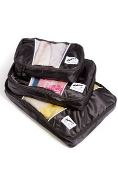 Tired of shoving your clothes together in your luggage? Now you can organize your clothes neatly before putting them in your luggage. These luggage help make packing simple and convenient. - Construct