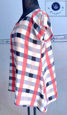 blouse sewing pattern Trendy Sewing Patterns Free Women Plus Size Shirts Fabrics Ideas Plus Size Sewing Patterns, Skirt Patterns Sewing, Pattern Sewing, Pattern Drafting, Plus Size Top Pattern, Shirt Patterns, Tunic Pattern, Pants Pattern, Clothing Patterns