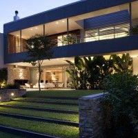 Martin Gomez Arquitectos designed the Pricila House in Buenos Aires, Argentina.