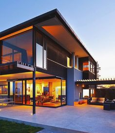 Do you want to build your own dream modern house? These beautiful modern house plans may inspire you! Learn more about them here. Beautiful Architecture, Contemporary Architecture, Interior Architecture, Contemporary Design, Villa Plan, Design Exterior, House Goals, Modern House Design, Home Fashion