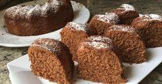 Sí, has leído bien, 5 minutos es lo que necesitas para cocinar este fantástico bizcocho de chocolate que nos traen desde el blog ANNA RECETAS FÁCILES. Tupperware, Cannoli, Microwave Cake, Yummy Food, Tasty, Cute Cakes, I Foods, Flan, Cake Recipes