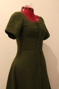 A Green Medieval Cote | Fashion through History