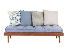 DAYBED LIGHT BRAUN - Designer Sofas from Chiccham ✓ all information ✓ high-resolution images ✓ CADs ✓ catalogues ✓ contact information ✓ find. Furniture, Daybed, Daybed Sofa, Sofa Design, Retro Living Rooms, Sofa, Outdoor Sofa, Living Decor, Furniture Design