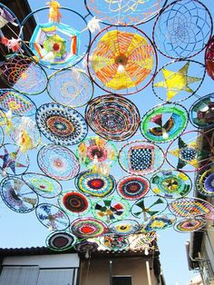 String Art Wall Project for Kids from Small Hands Big Art for kids ? art projects for kids String Art Wall Project for Kids from Small Hands Big Art Art Mur, Yarn Bombing, Outdoor Art, Outdoor Fabric, Outdoor Spaces, Outdoor Play, Land Art, Art Activities, Art Plastique