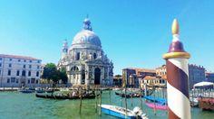 Ogni scorcio da lasciarci il fiato! #venezia #italymonamour #Venice #love