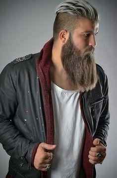 33 Trendy Undercut Hairstyles To Compliment Your Beard Right Now – coiffures et barbe hommes Long Beard Styles, Hair And Beard Styles, Long Hair Styles, Barba Grande, Round Face Men, Epic Beard, Men Beard, Full Beard, Beard Fade