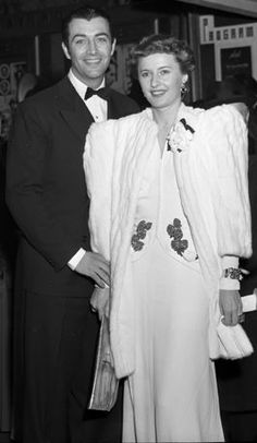 Barbara Stanwyck with second husband Robert Taylor - Wikipedia The Effective Pictures We Offer You About Nebraska sweatshirt A quality picture can tell you many things. You can find the most beautiful Golden Age Of Hollywood, Classic Hollywood, Old Hollywood, Hollywood Style, Hollywood Icons, Hollywood Glamour, Hollywood Actresses, Santa Monica, Loretta Young