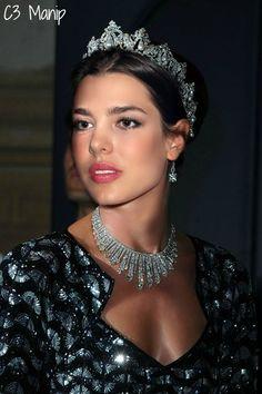 Manip of Charlotte wearing the Cartier Pearl Drop Tiara.