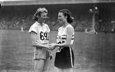 Maureen Gardner congratulates Fanny Blankers-Koen of the Netherlands in 1948