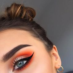 Wild fire eyes @aleksandrakonieczny packing serious heat with the 35OM & 35OS palettes. www.morphebrushes.com #MorpheBabe