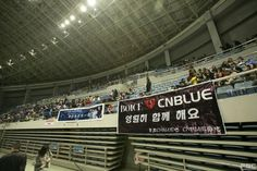 Go Behind-the-Scenes of CNBLUE's Asia Concert Tour | Koogle TV