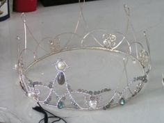 how to make a wire crown