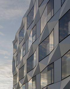 Keystone Office Building / EM2N Architects