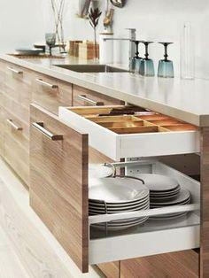 15 armários perfeitos para a cozinha - confira nossa seleção que inclui armário com divisão para talheres e espaço diferenciado para guardar louças.