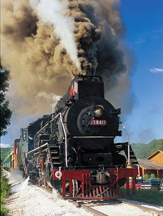 Love trains? Take a dinner and dessert train ride on the Boone & Scenic Valley Railroad in Iowa.    http://www.midwestliving.com/travel/destination/iowa/reasons-we-love-iowa/#page=4