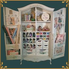 Everything your doll might need, carefully tucked away in this beautiful, elegant and practical closet!