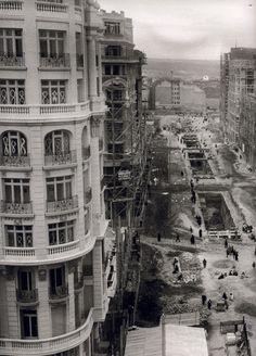 La construcción del 2o tramo de la Gran Vía. Imágenes del viejo Madrid