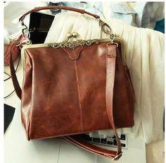 Vintage Spanish Leather Bag   ricardo.gr