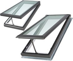 Manual venting skylight curb and deck mounted