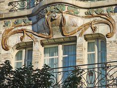 Art-nouveau ironwork