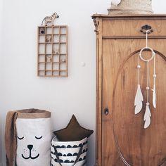 Gute Morgen, #shelf ist das heutige Thema der #instagraminteriorchallenge in unserem Setzkasten finden kleine Schätze und Lego Figuren…