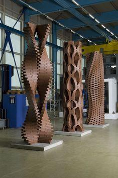 Existe una técnica muy minuciosa para lograr esta ilusión óptica en la construcción con ladrillos, visita la web para conocer más. #Arquitectura #Decoracion #Diseño