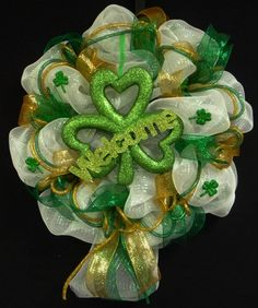 St Pats Welcome Clover Wreath with Deco Mesh and Mesh Ribbon