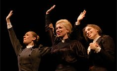 Las tres hermanas, de Chéjov. Dirección de Declan Donellan. Teatro Valle-Inclán. Ciclo Una mirada al mundo. Madrid