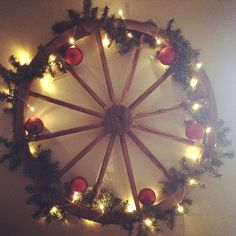 Cute wagon wheel Christmas wreath.